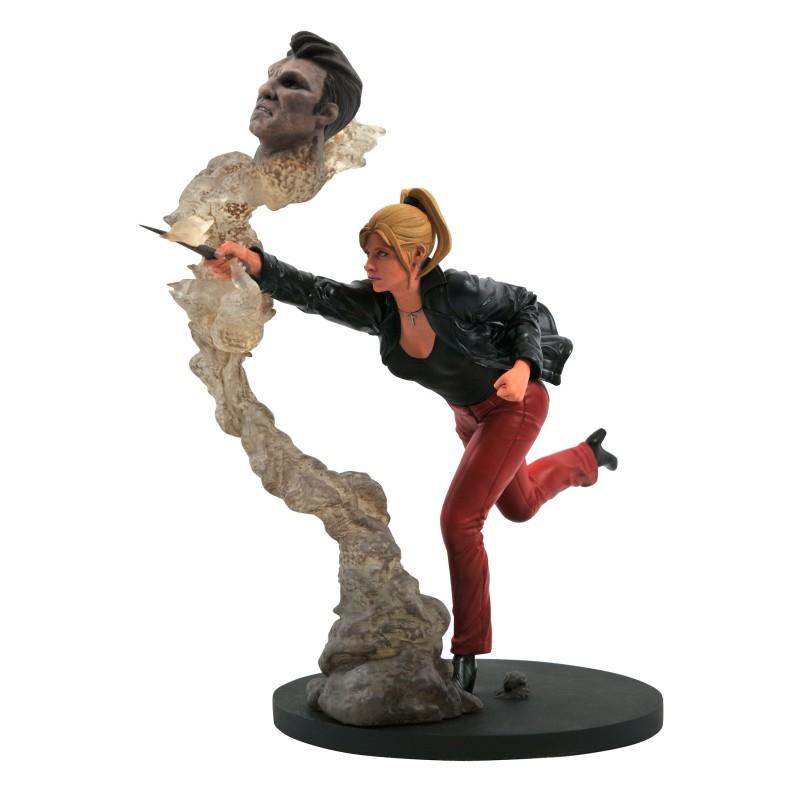 Buffy the Vampire Slayer Gallery: Buffy PVC Statue