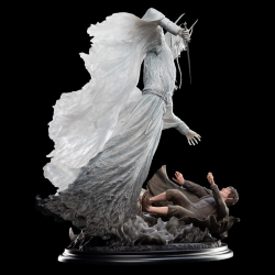 Weta Statue: The Witch-King & Frodo At Weathertop